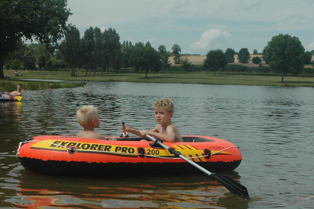 Topper in de zomer die rubberboot (foto: Suzanne).