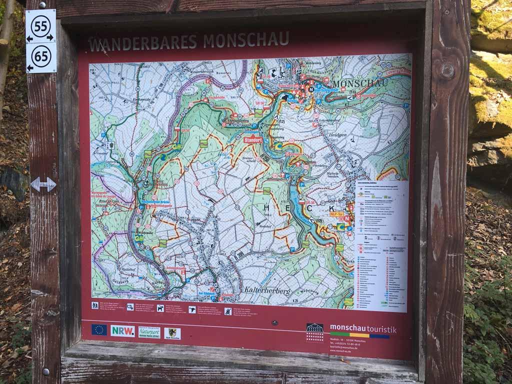 Overzicht van de wandelroutes bij Monschau.