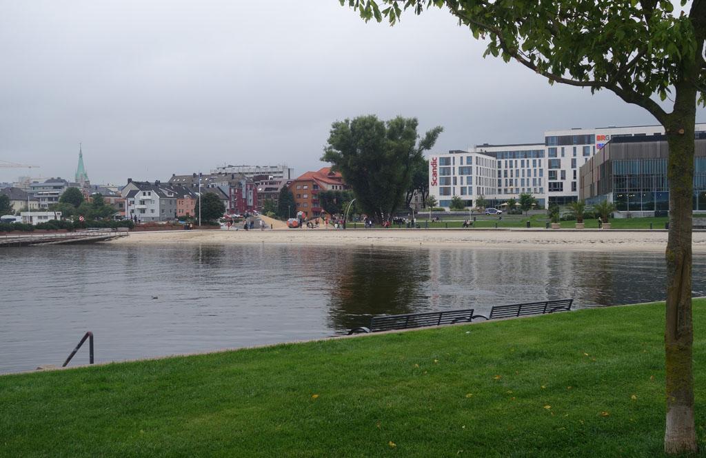 Oud en nieuwbouw in Kristiansand.