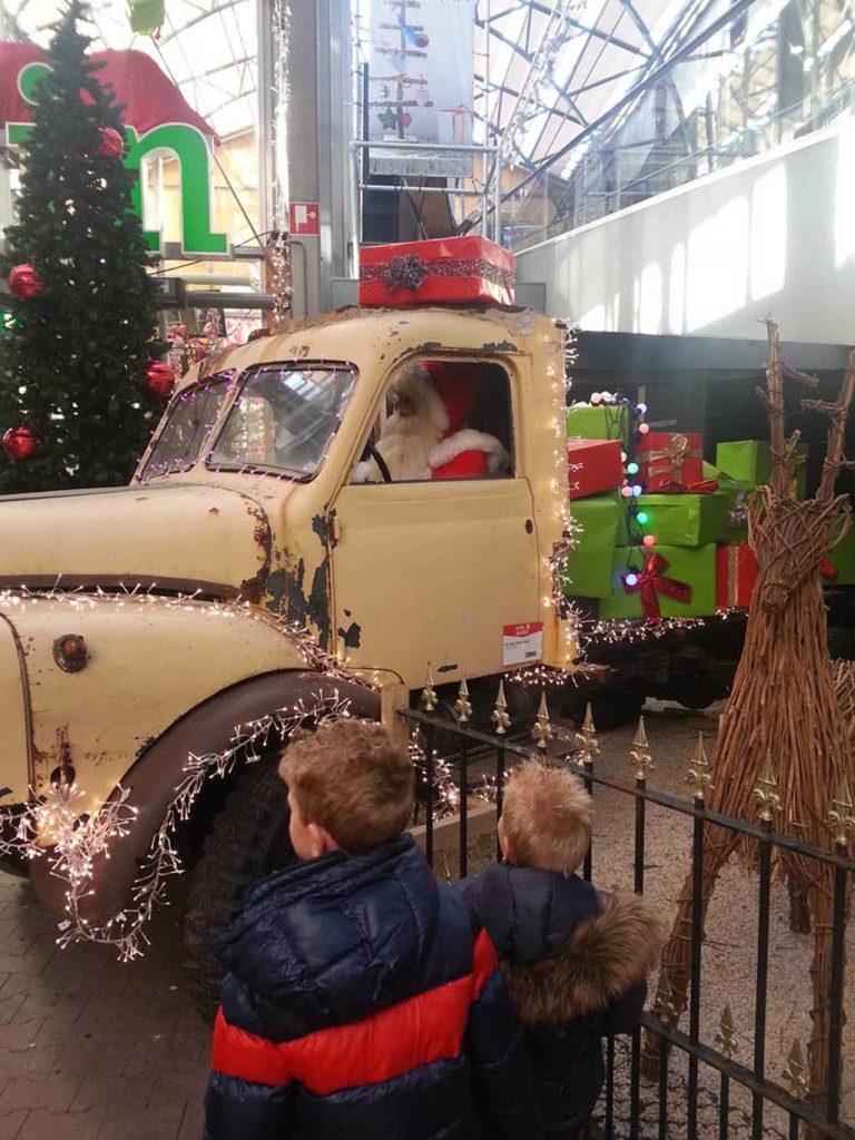 De kerstshow bij Intratuin in Duiven is de grootste van Nederland.