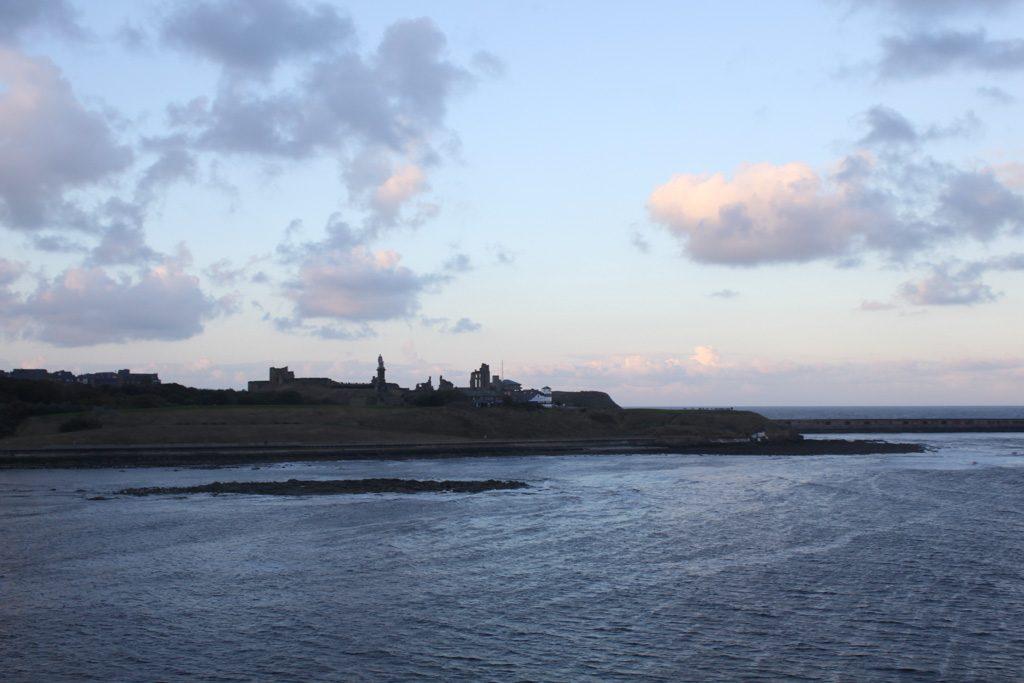 De kust bij Newcastle is prachtig.