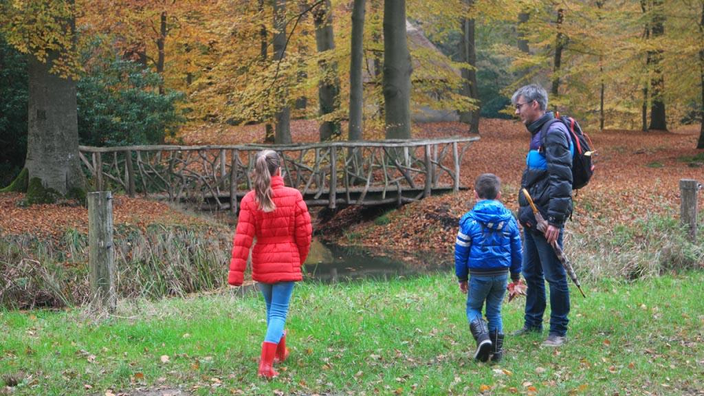 De Soestwetering en een van de mooie bruggetjes.