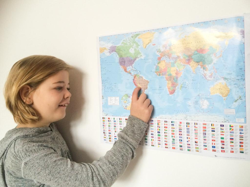 Elin van blogger Marije is blij met haar wereldkaart.