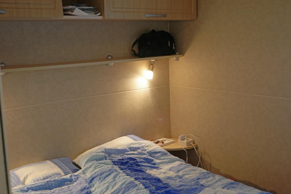 De 2-persoons slaapkamer.