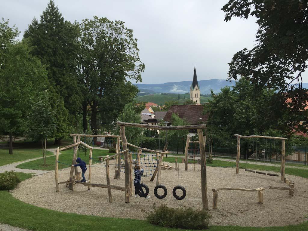 De leuke speeltuin in Slovenske Konjice.