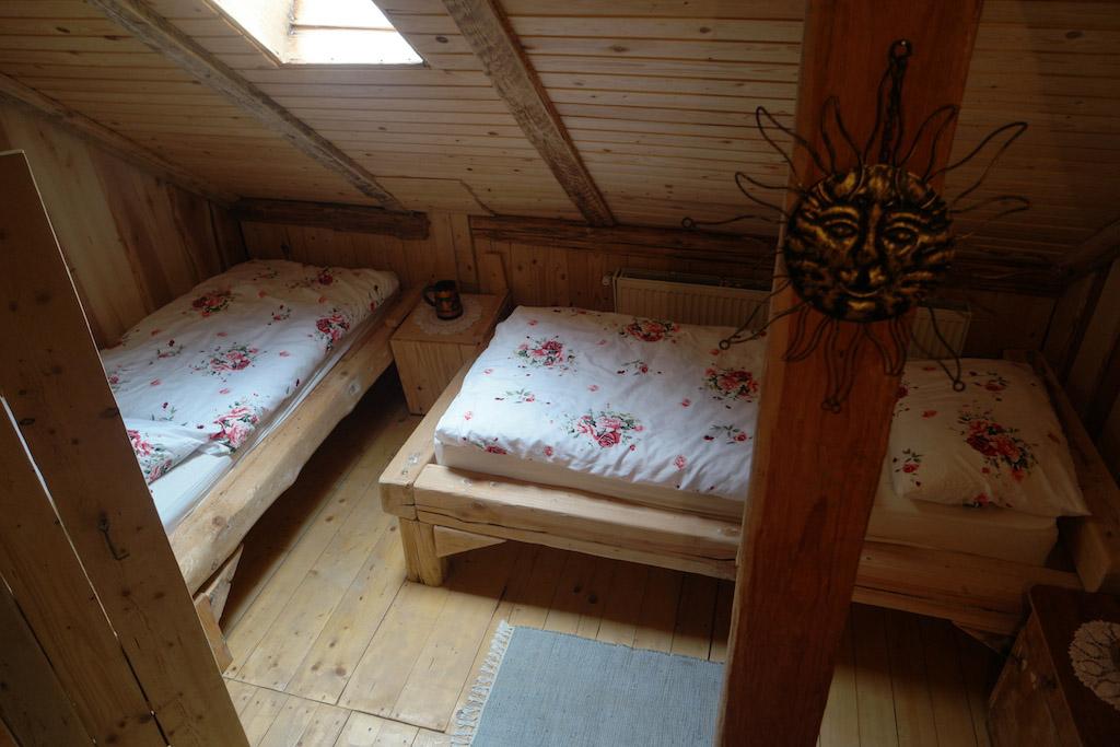 Iets minder basic? Kies dan voor een kamer met gewone bedden.