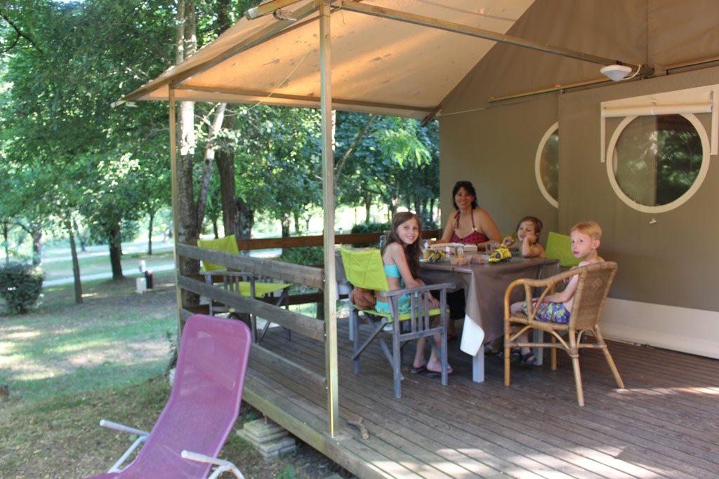 Lekker buiten leven op onze kleine familiecamping in de Ardèche