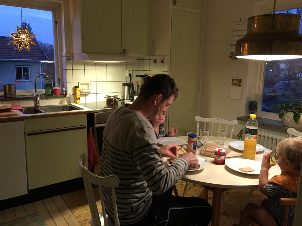 In de keuken van ons huis.
