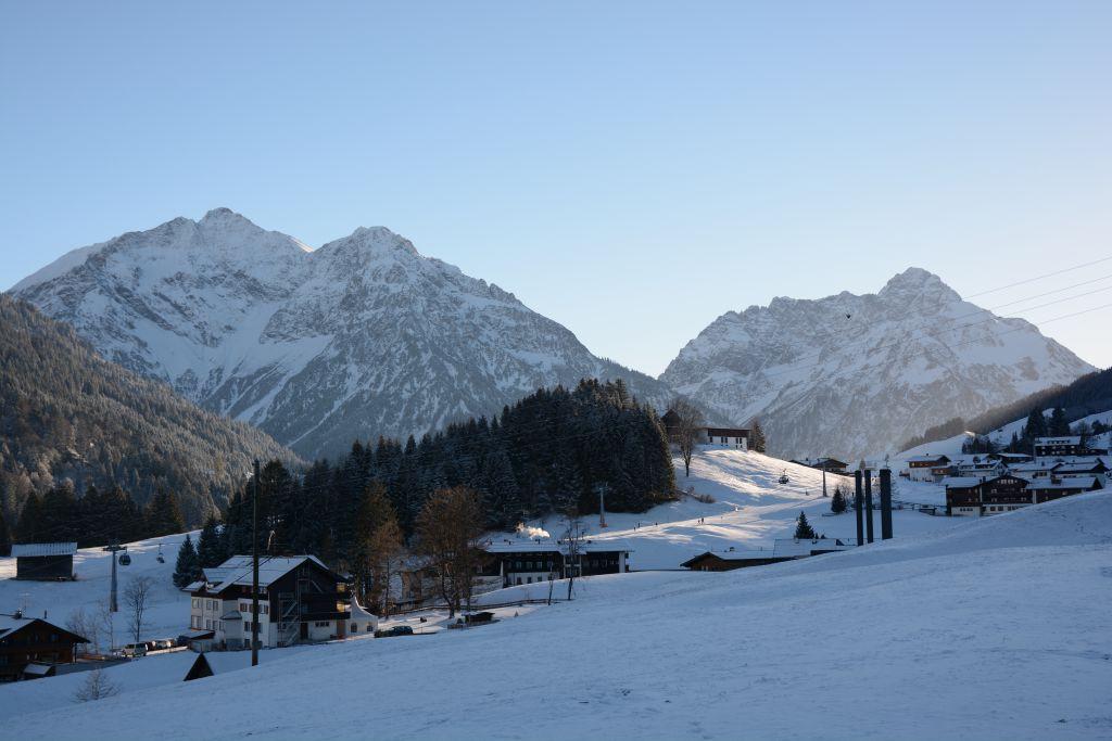 Uitzicht op Parsenn-piste in Kleinwalsertal