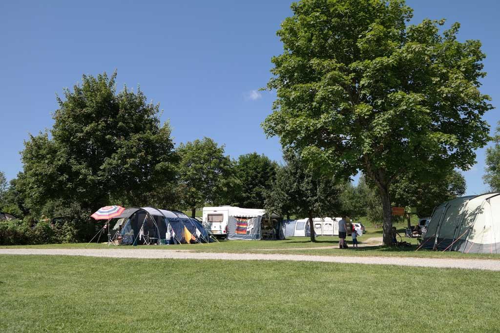 Camping Am Bauernhof Kramer heeft mooie plekken in het groen.