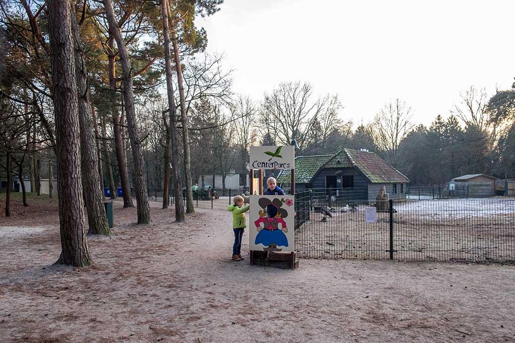 Bij de kinderboerderij van Centerparcs de Vossemeren.