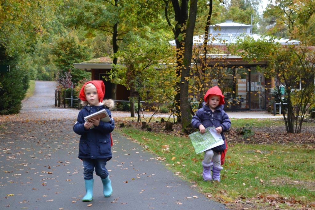 De kleintjes zijn ook klaar voor het Kaboutepad Hoenderloo
