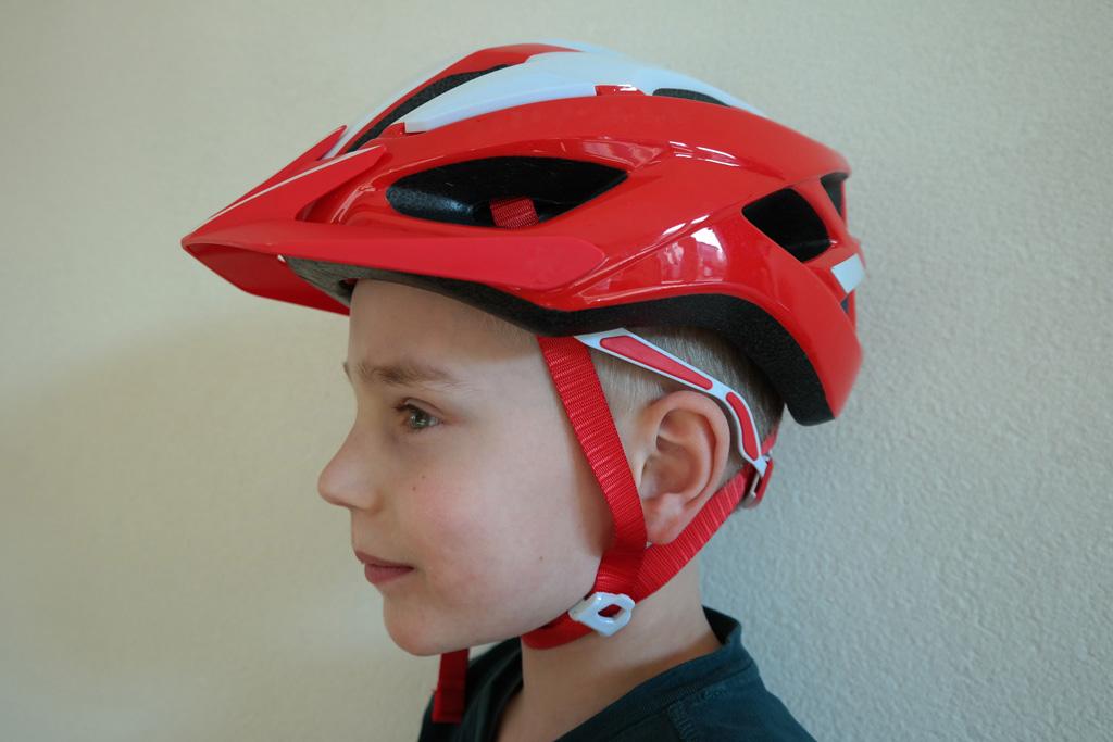 Zo hoort een helm te zitten.