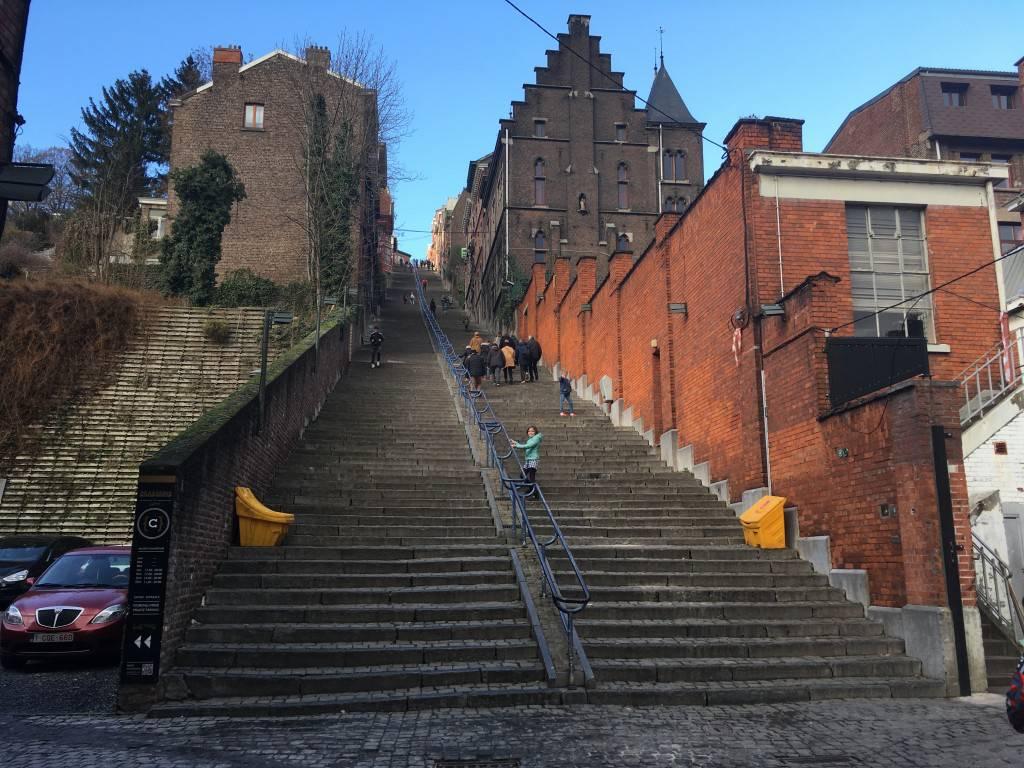 De steile trappen richting Citadel