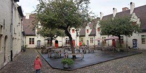 Op poezentour door het Huis van Alijn in Gent