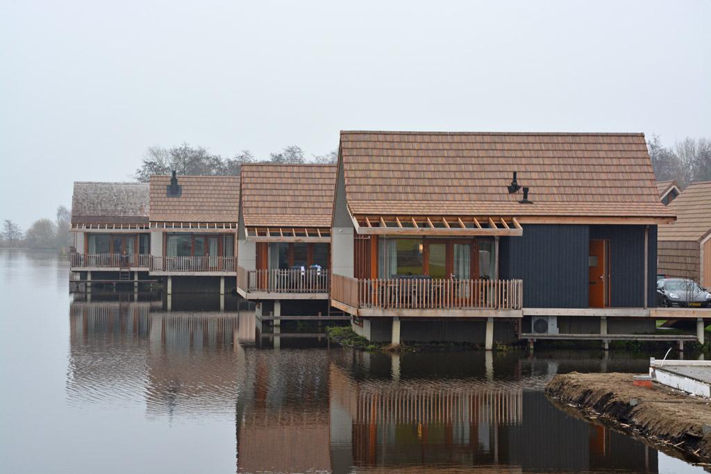 Prachtige waterbungalows direct aan De Reeuwijkse Plassen