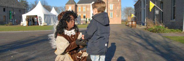 Op bezoek bij Sint en Piet in het Pietenhuis in kasteel Cannenburch te Vaassen