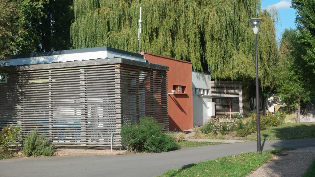 Sanitairgebouw.