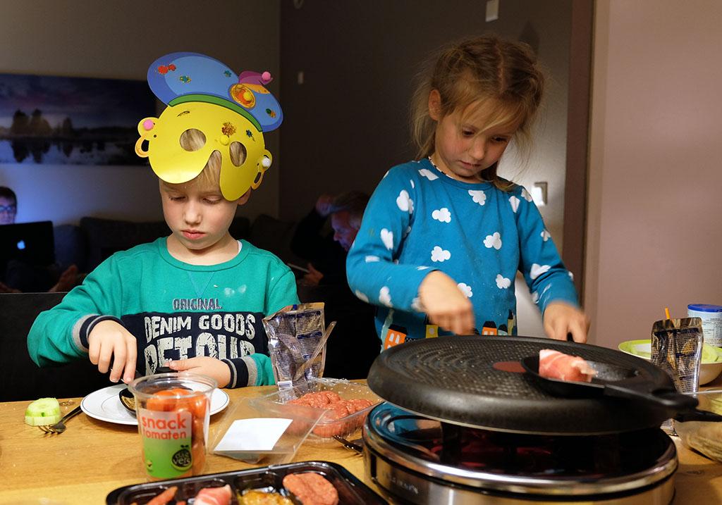 Lekker en gezellig gourmetten in het huisje.