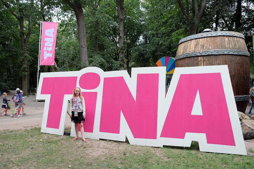 Eindelijk naar de Tinadag! Emma heeft er veel zin in.