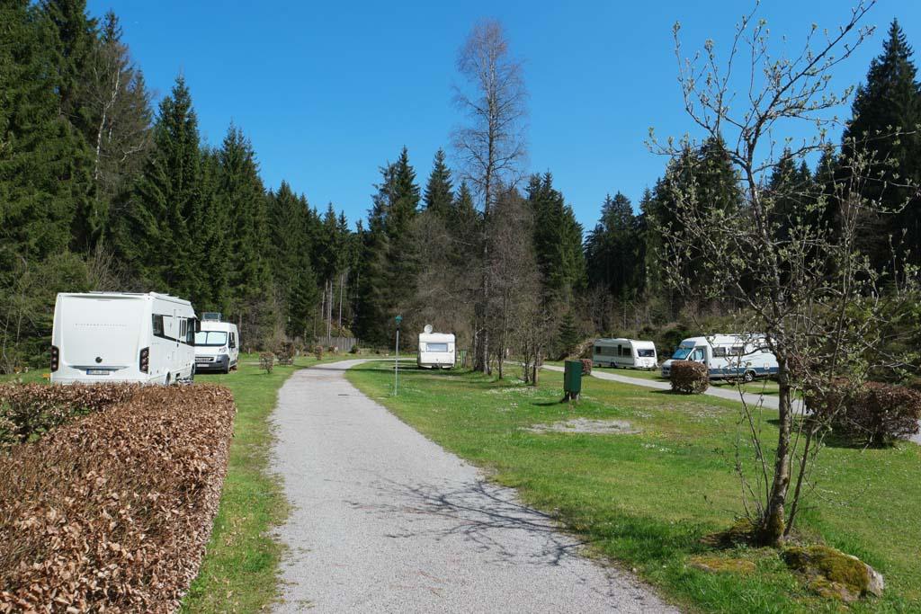 Een impressie van de kampeerplekken.