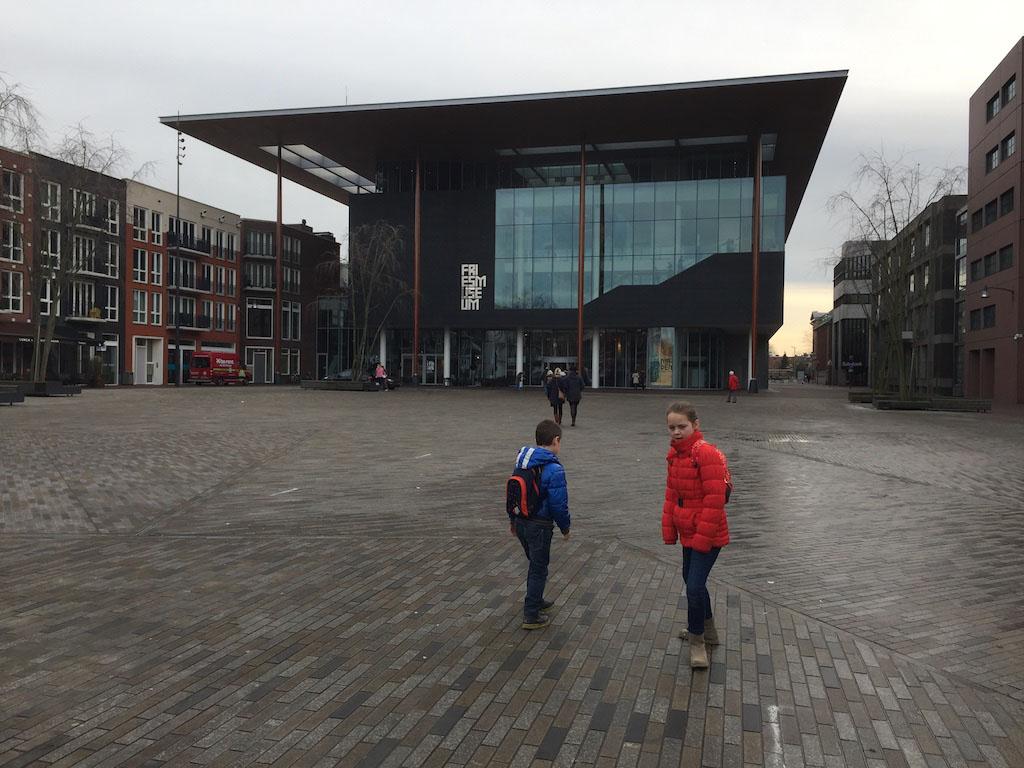 Op weg naar het Fries Museum in Leeuwarden.