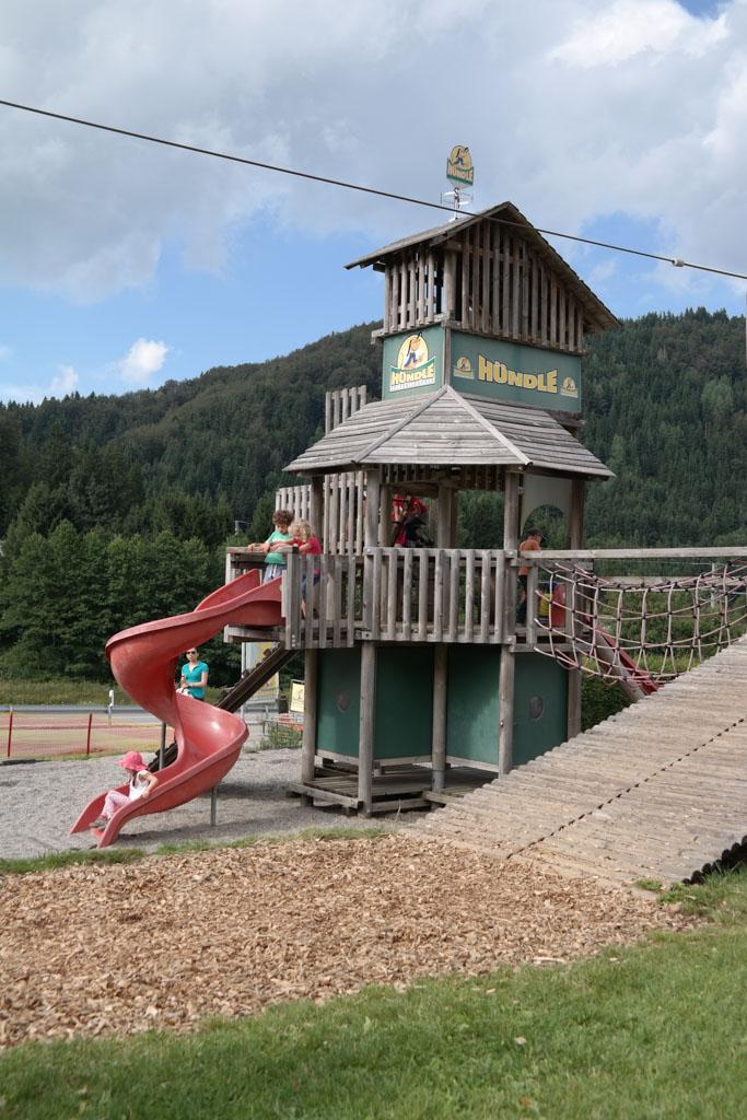 Superleuke speeltuin bij het dalstation.