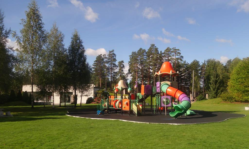De speeltuin ligt midden in het Mineralparken