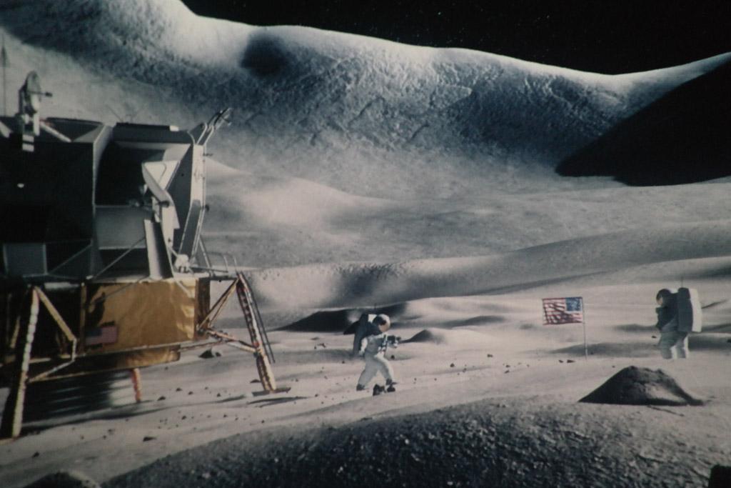 Levensechte beelden van de maan.