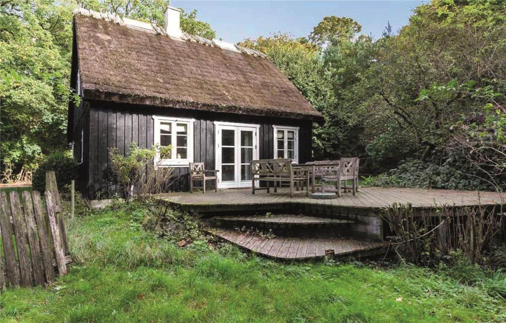 Een sfeervol huisje, midden in het bos.