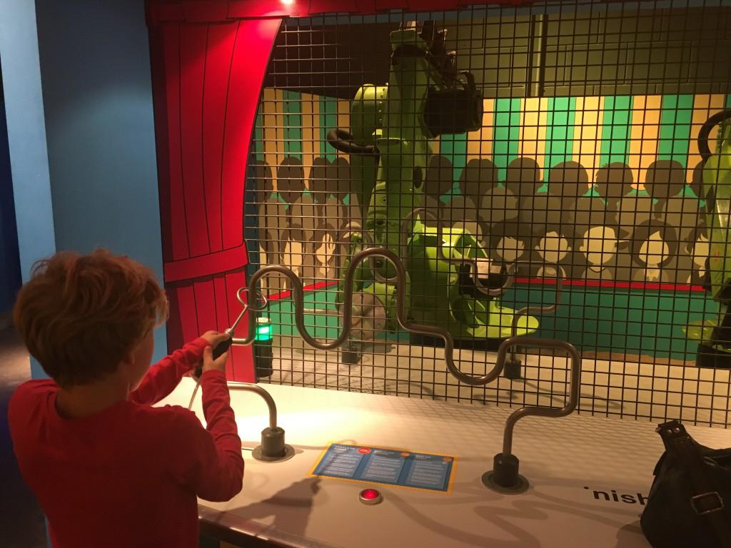 Wedstrijdje zenuwspiraal tegen een robot in het Continium: wie is sneller?