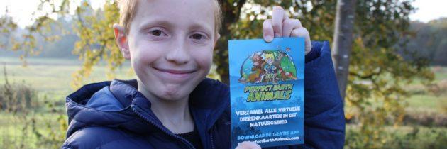Dierenplaatjes verzamelen met een gratis kinderapp in de natuur