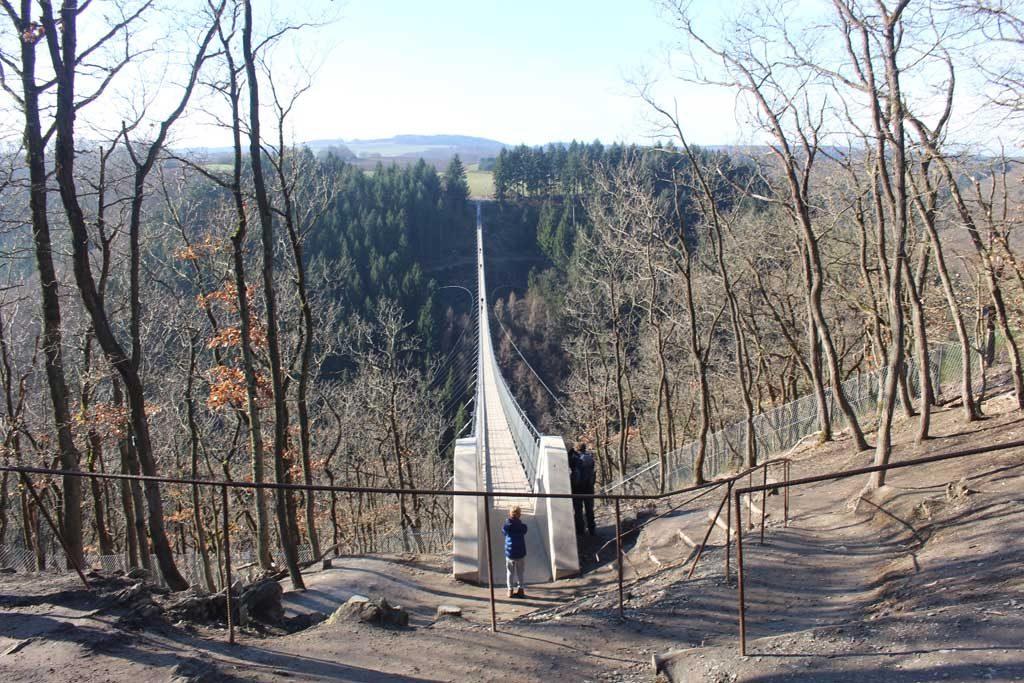 Daar is hij dan, de langste hangbrug van Duitsland.