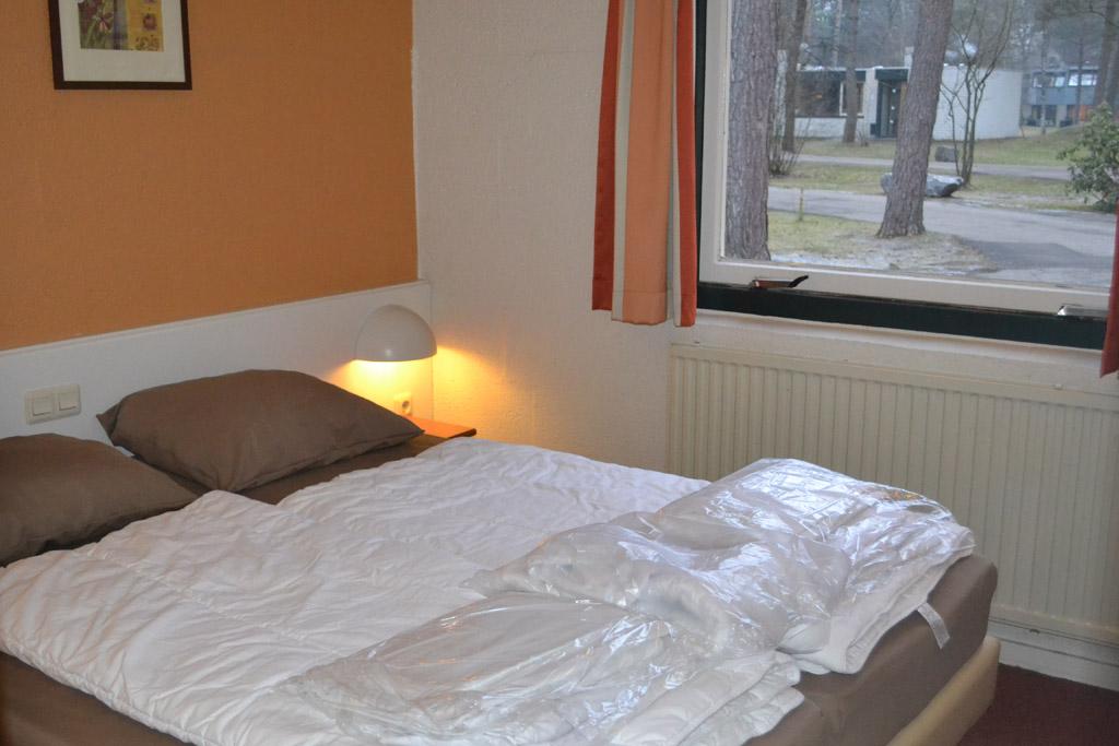 De slaapkamer beneden