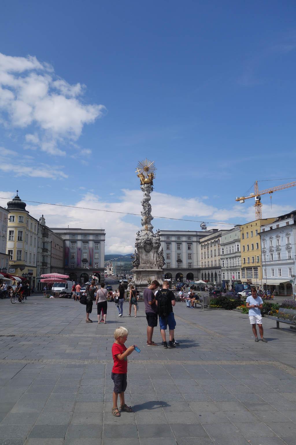 De Dreifaltigkeitssäule op de Hauptplatz in Linz.