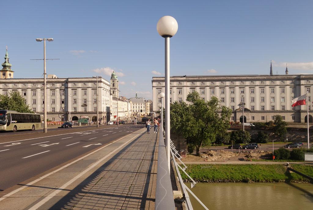 De drie bouwwerken in Linz die in opdracht van Hilter gebouwd zijn.