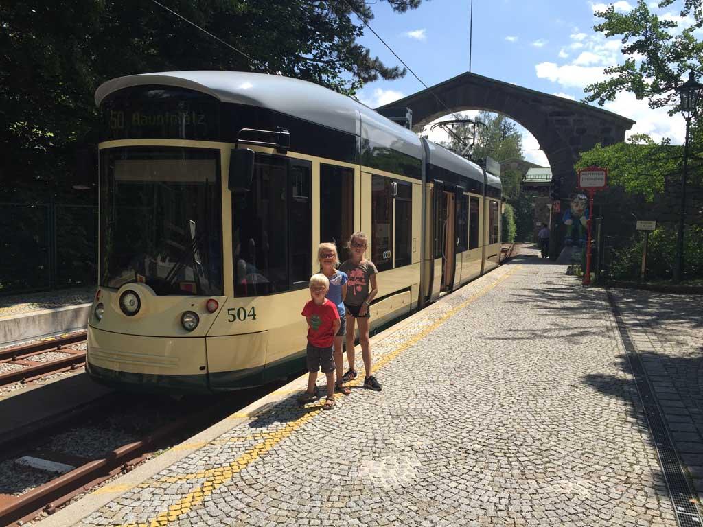 De eindhalte van de Postlingbergbahn tijdens onze stedentrip Linz met kinderen