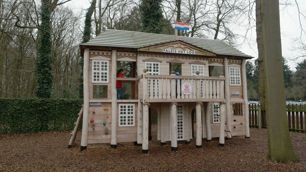 Het kleine Loo mag je niet missen tijdens je bezoek aan Paleis Het Loo met kinderen.