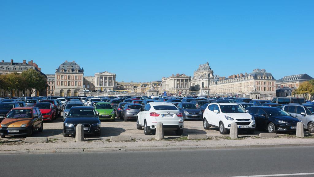 Parkeren voor het paleis is duur!