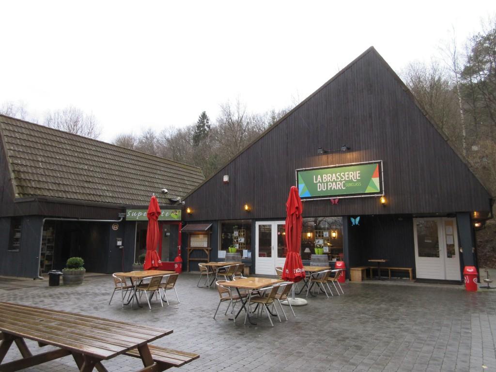 Het winkeltje, restaurant en terras liggen vlak bij elkaar