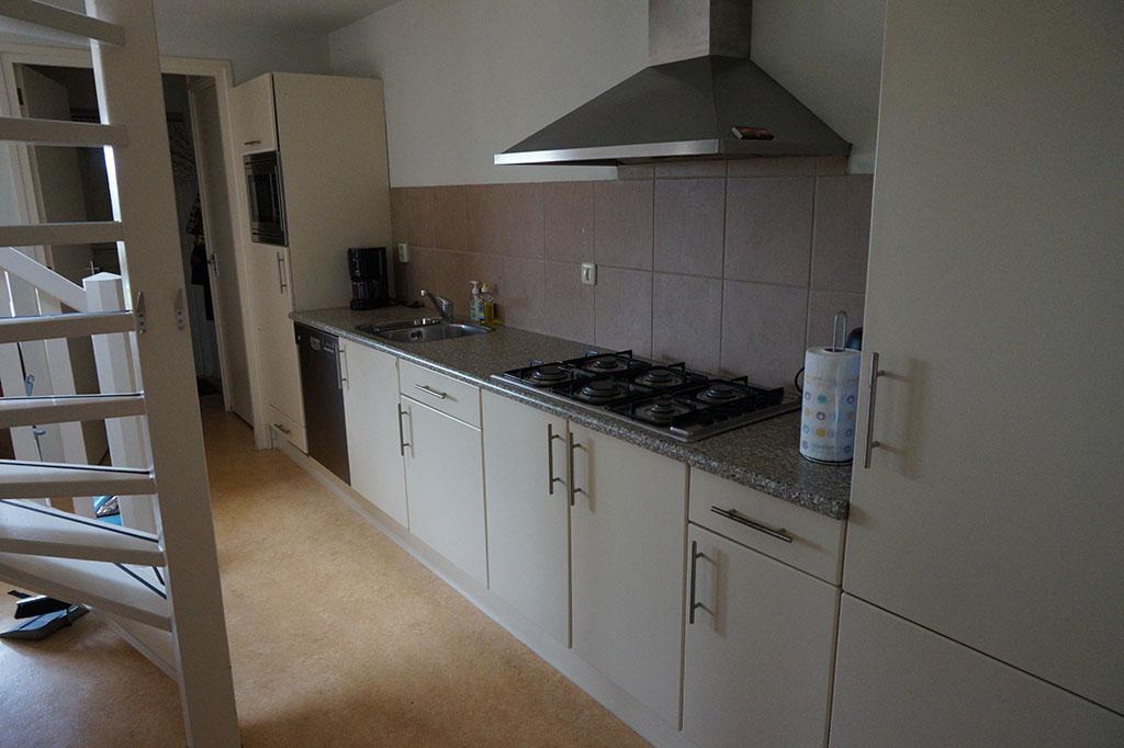 Hele complete keuken, die nog nieuwe frontjes krijgt