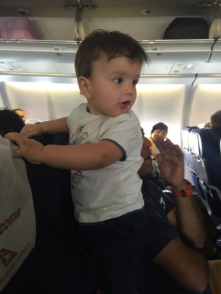 Wachten voordat het vliegtuig opstijgt