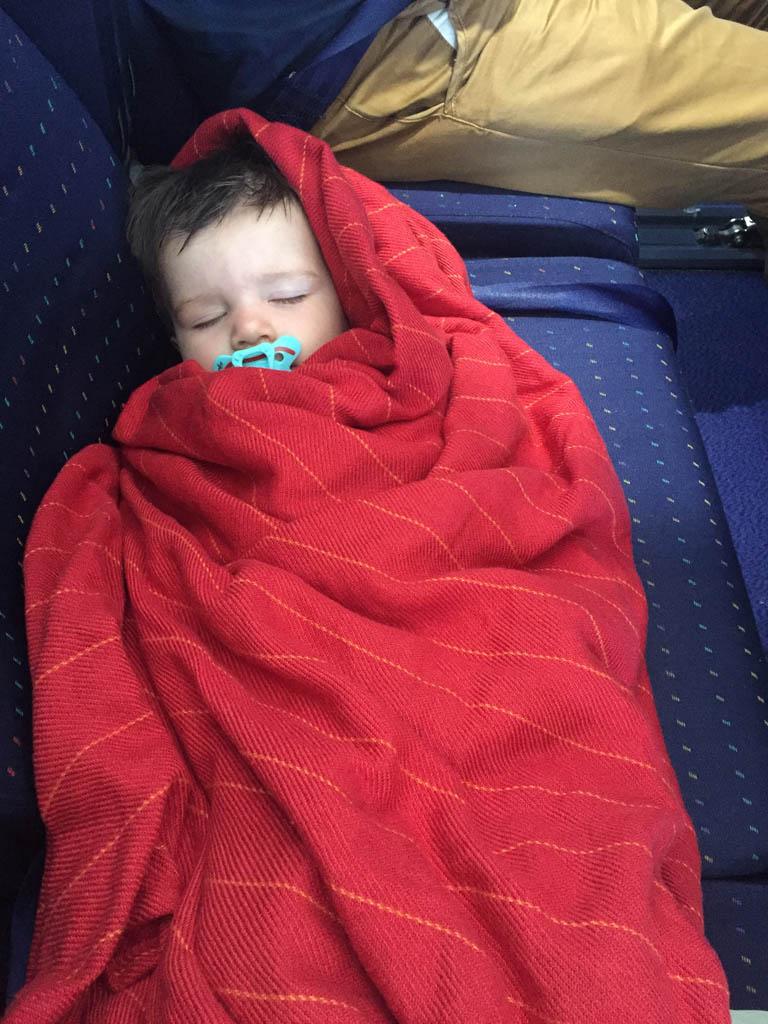 Soms is er een extra stoel vrij en kan je kleine peuter even heerlijk een dutje doen.