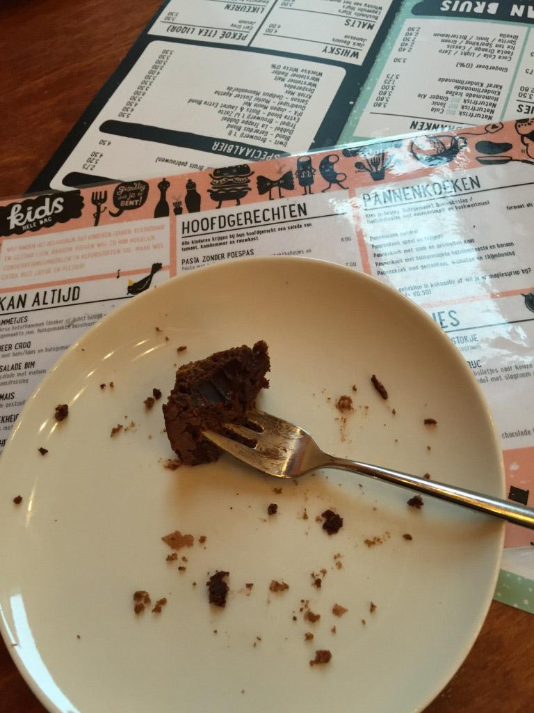 En ik geniet van een taartje bij Restaurant Bruis