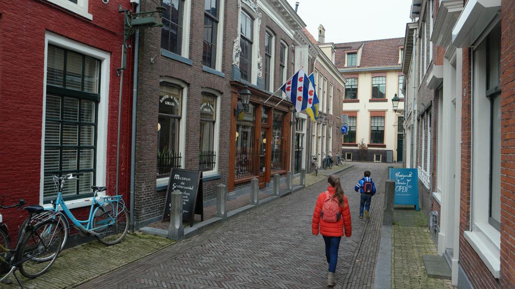 De Grutterswinkel, in een smal straatje in Leeuwarden.
