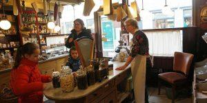 Terug naar toen bij theeschenkerij en museum De Grutterswinkel in Leeuwarden