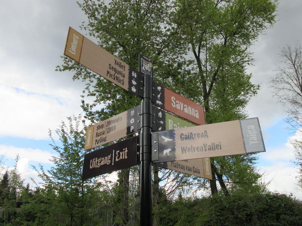 De routebordjes wijzen je de weg door GaiaZOO