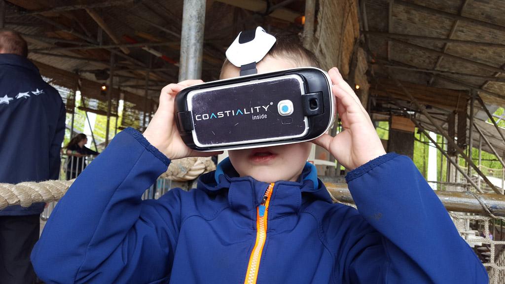 Camiel is klaar voor zijn tweede VR ervaring.