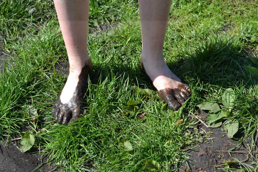 Een modderbadje voor de voetjes