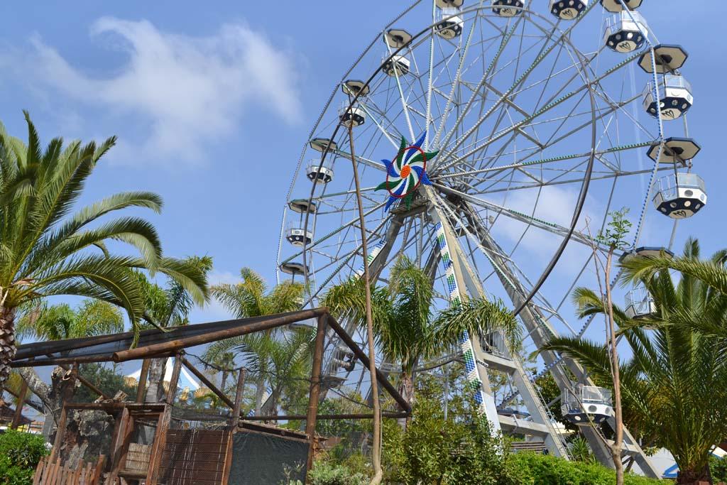 Vanuit het reuzenrad kan je het hele park zien